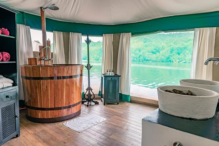 4 Rivers Floating Lodge Tent Bathroom