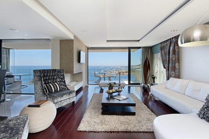 Azamare Lounge