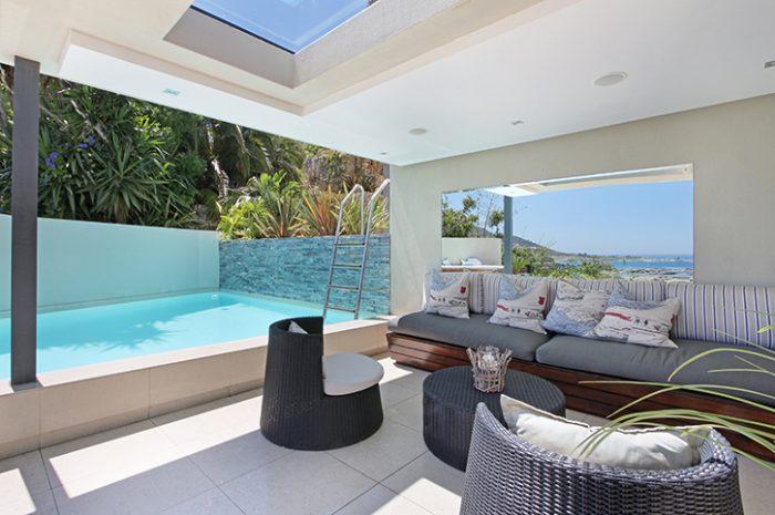 Azamare Outdoor Lounge