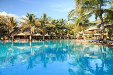 Baobab Beach Resort Kole Pool