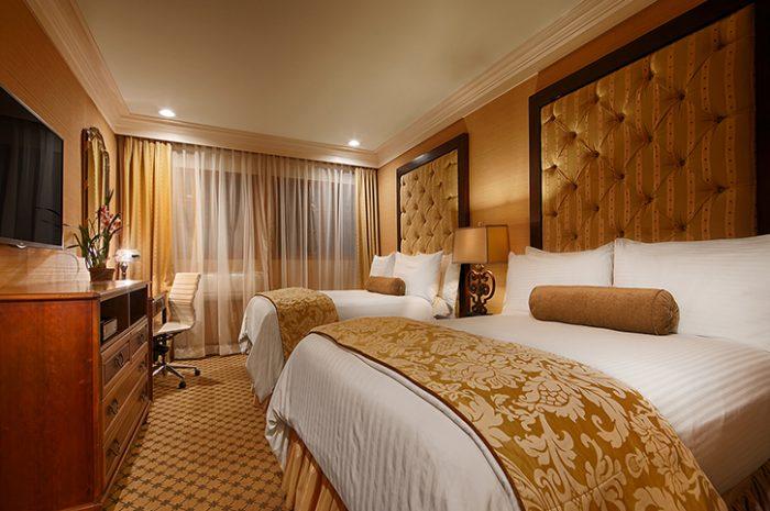 Best Western Sunset Plaza Bedroom