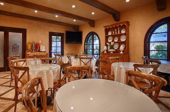 Best Western Sunset Plaza Restaurant