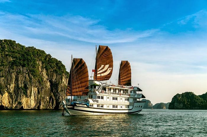 Bhaya Classic Junk Boat