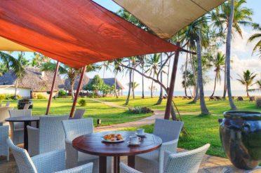Bluebay Beach Resort Restaurant Terrace