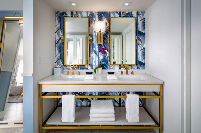 Cadillac Hotel Bathroom