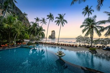 Centara Grand Krabi Swimming Pool