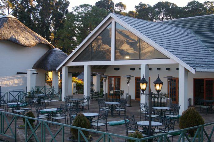 Champagne Castle Hotel Patio