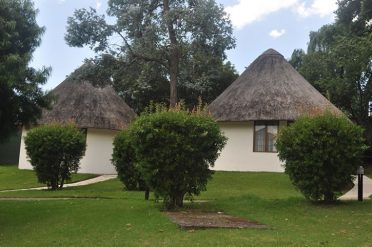 Champagne Castle Thatched Rooms