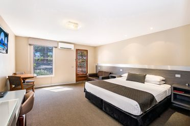 Comfort Inn Port Fairy Bedroom