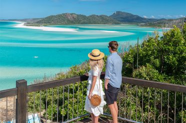 Couple at Hill Inlet, Whitsundays