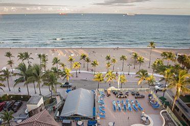 Courtyard By Marriott Beach