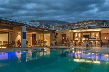 Crowne Plaza Nairobi pool