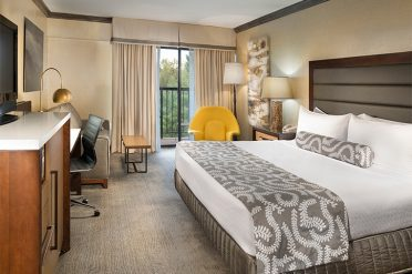 Crowne Plaza Resort Garden Bedroom