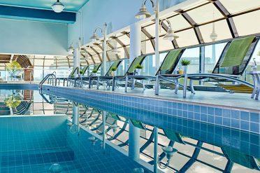Swimming Pool Chelsea Hotel Toronto