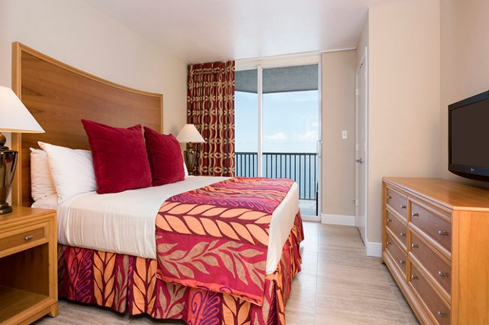 Diamond Head Resort Bedroom