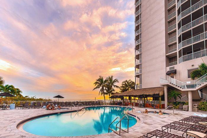 Diamond Head Resort Swimming Pool