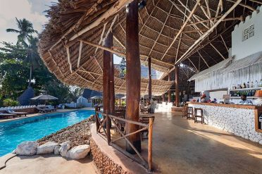 Diamonds Mapenzi Pool Bar