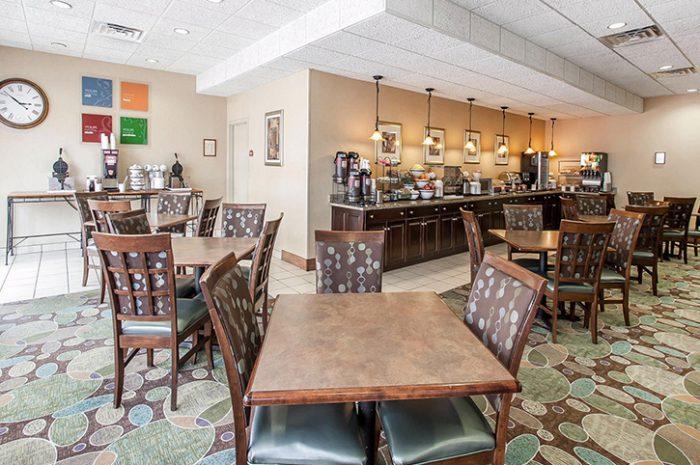 Dining Comfort Inn
