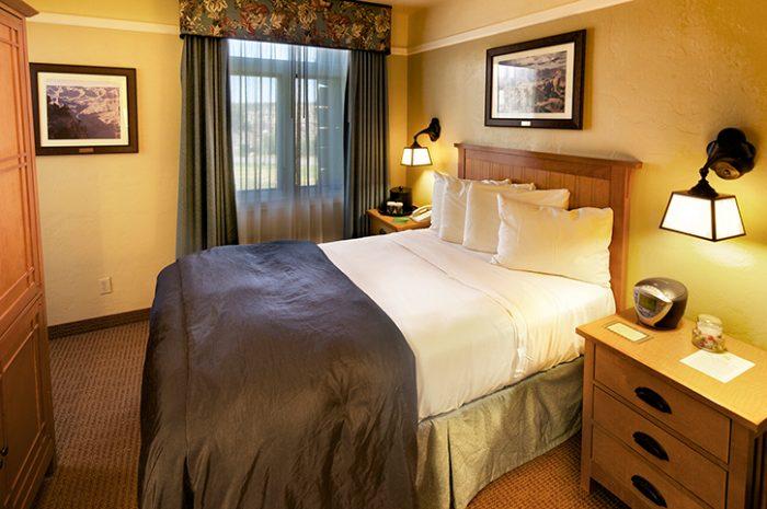 El Tovar Hotel Bedroom
