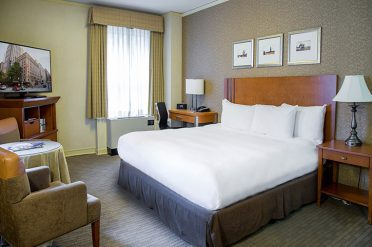 Executive Hotel Pacific Seattle Bedroom