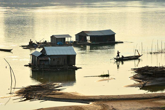 Fishing houses, Kratie