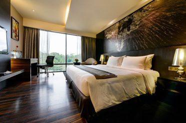 Horizon Hotel Room