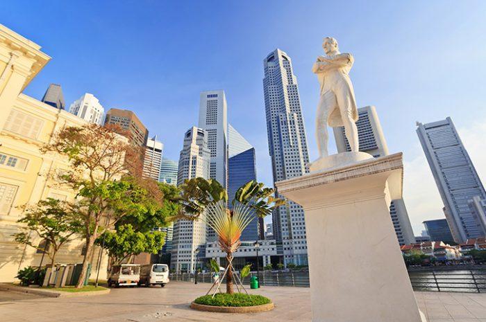 Sir Stamford Raffles Statue