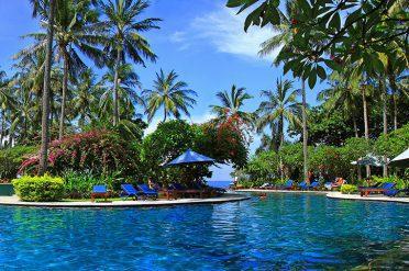 Holiday Resort Pool Lombok