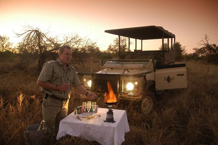 Sundowner drinks, Imbali Safari Lodge