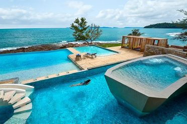 Independence Hotel Oceanside Pool