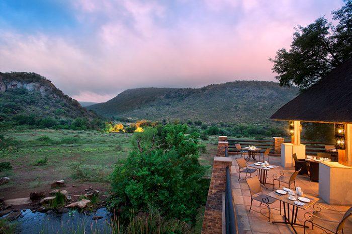 Kwa Maritine Bush Lodge Restaurant Deck