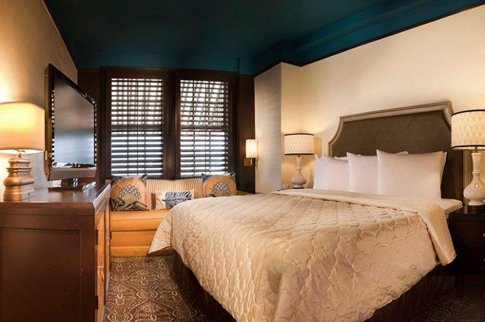 La Concha Hotel Bedroom