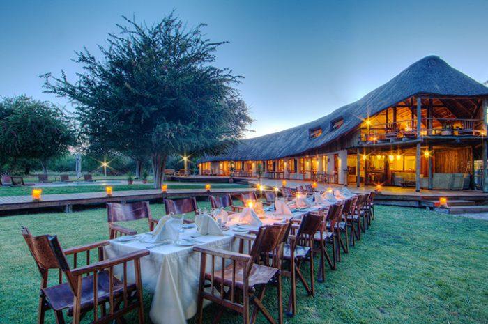 Leroo La Tau Outdoor Dining