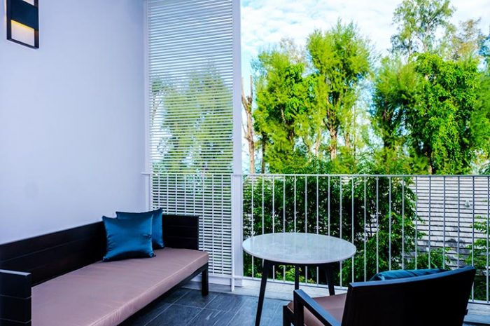 Lone Pine Deluxe Room Balcony