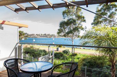 Majestic Oasis Balcony