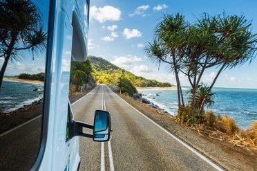 Maui Ultima Driving