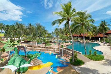 Meritus Palengi Beach Pool