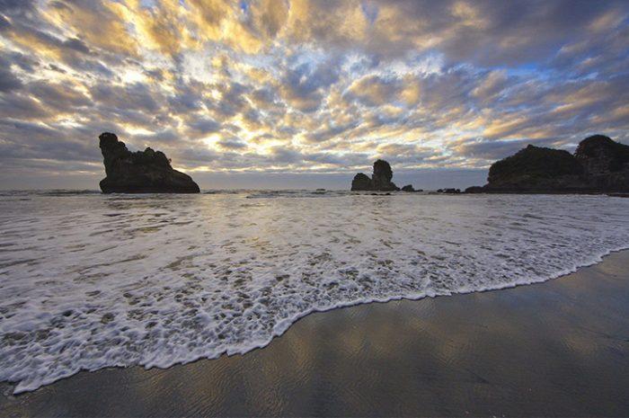 Motukeikei Beach