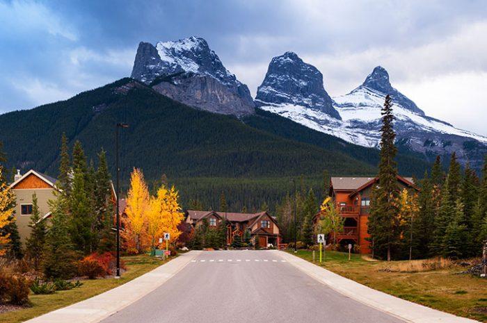 Mountain Lodges, Canada