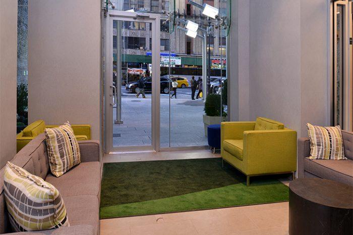 New York Holiday Inn Lobby
