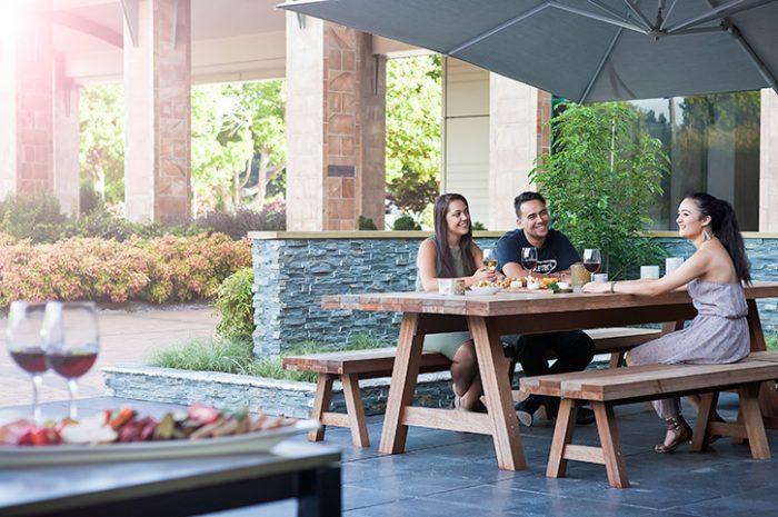 Novotel Rotorua Dining Outside