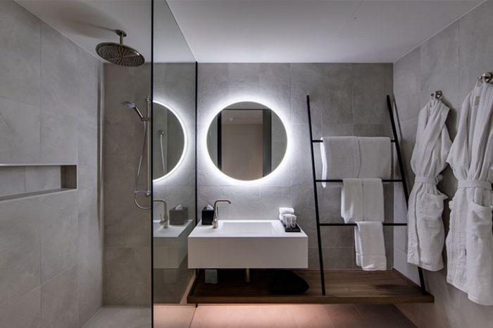 Bathroom, Oval Hotel