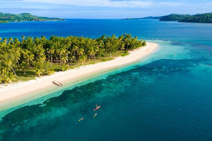 Paddleboarding & Snorkelling in Fiji