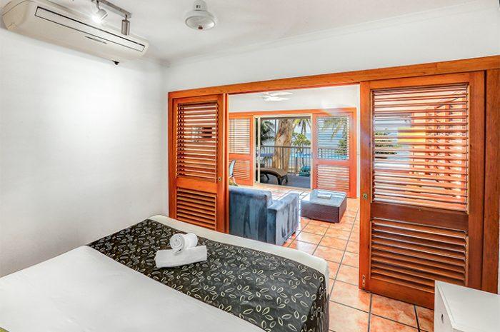 Paradise on the Beach Beachfront Spa Suite