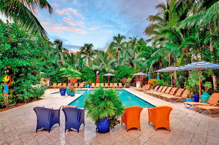 Swimming pool, Parrot Key Resort