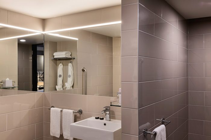 Pullman Hotel Bathroom