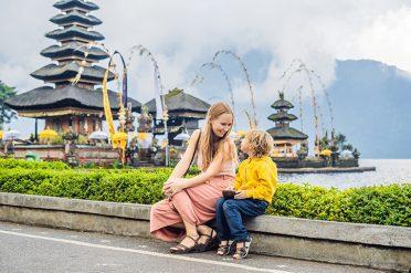 Family at Pura Ulun Danu Temple, Bali