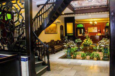 Puri Hotel Lobby