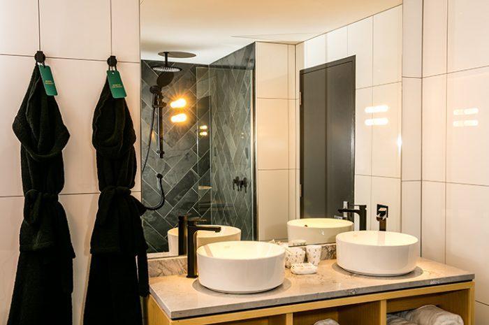 QT Wellington Bathroom