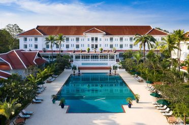 Raffles Grand Hotel d'Angkor Swimming Pool